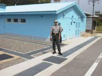 GuardGuardGuard.jpg